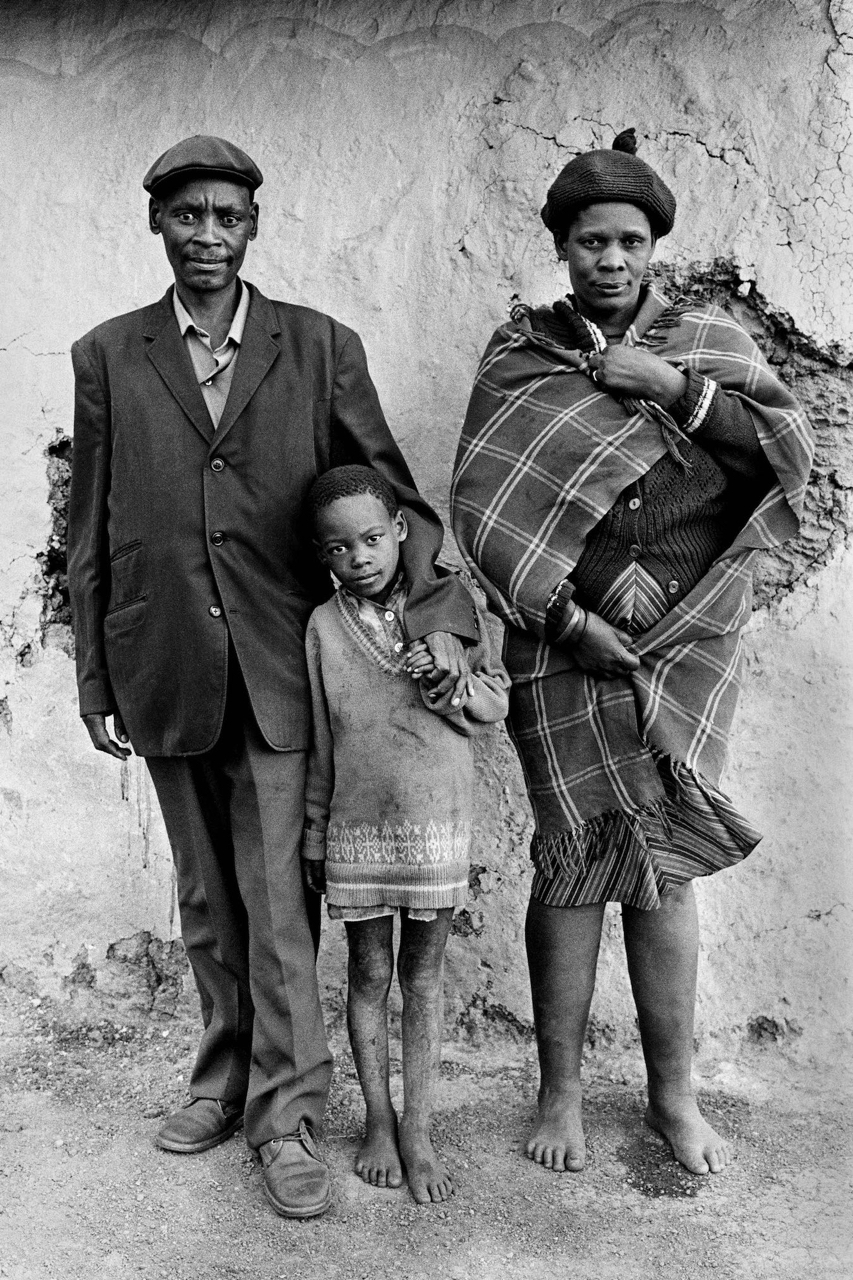 Cedric Nunn, Farm worker and family, iXopo, KwaZulu-Natal, 1983 ©Cedric Nunn